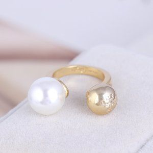 Tory Burch Metal Ball White Pearl Open Ring